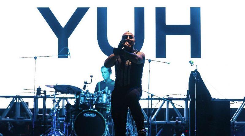 Hayko Cepkin'den Zeytinli Performans Klibi: 'Yuh Yuh'