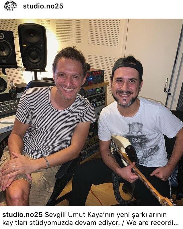 EFYWs1 XkAEdGEA - Umut Kaya Yeni Şarkılar İçin Stüdyo'da!